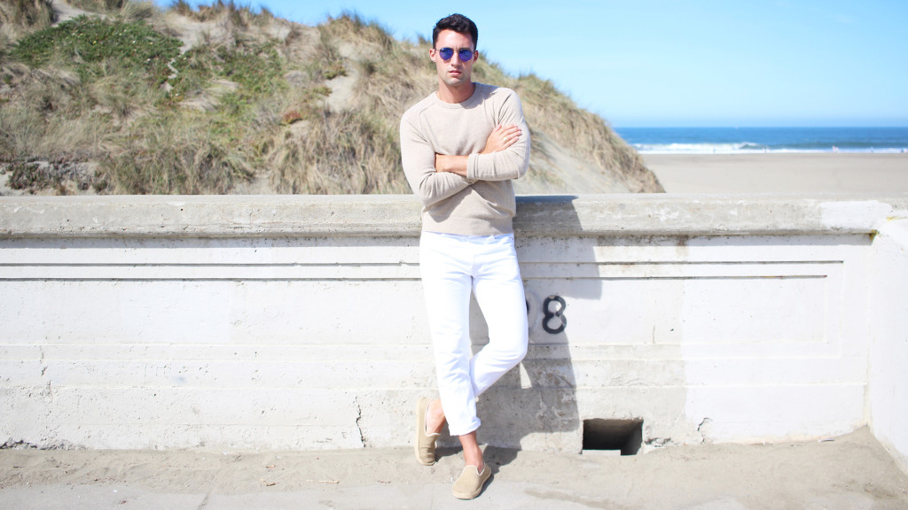 Yummertime wear white after labor day in Club Monaco and Levi's jeans